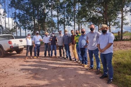 Prefeito Jonas Campos firma parceria com governo estadual e prefeito de Tangará da Serra, para manutenção de 100km da MT-175