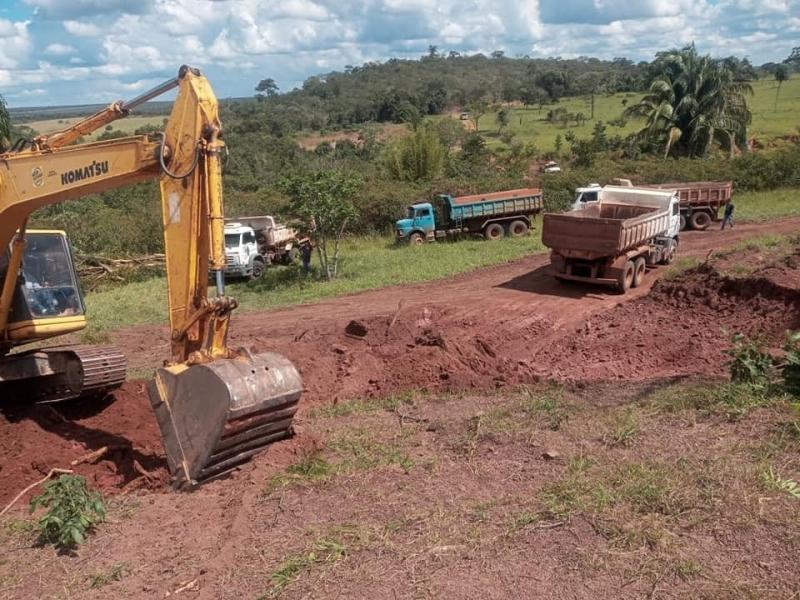 Consorcio Nascentes do Pantanal em parceria com a Secretaria de Obras, Governo do Estado e produtores rurais trabalham com mais equipamentos na MT 175